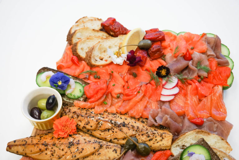 photo of the holiday seacuterie appetizer platter